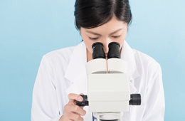医療機関で採取されたDNAを分析